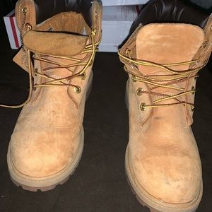 Timberland Youth size 5.5y Butters